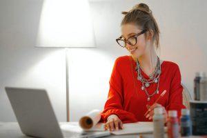 Proteggere gli occhi durante lo smart working e la didattica a distanza